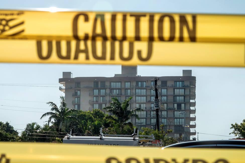 Asciende a 32 el número de fallecidos tras el derrumbe del edificio en Miami