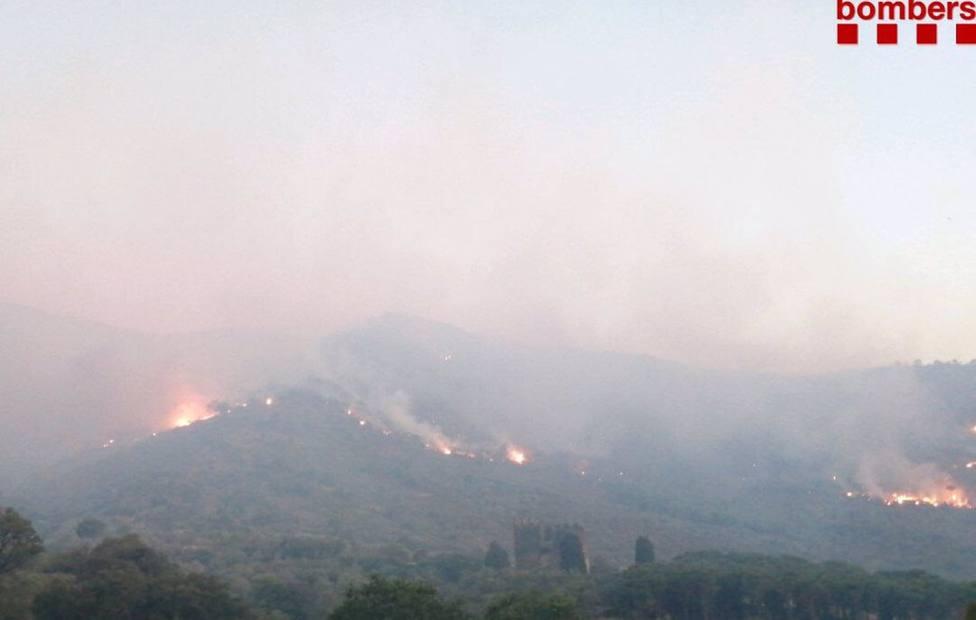 El incendio de Llançà (Girona) ya ha quemado cerca de 500 hectáreas