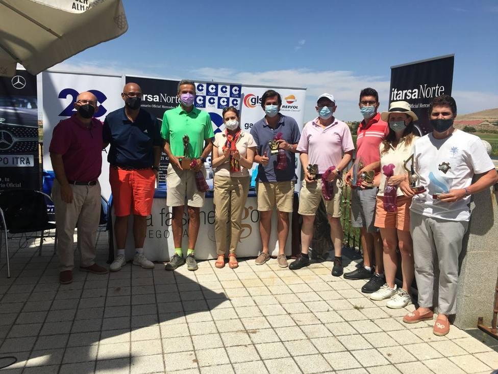 ctv-5rm-2021-07-24-foto-de-familia-de-los-ganadores-del-torneo-golf