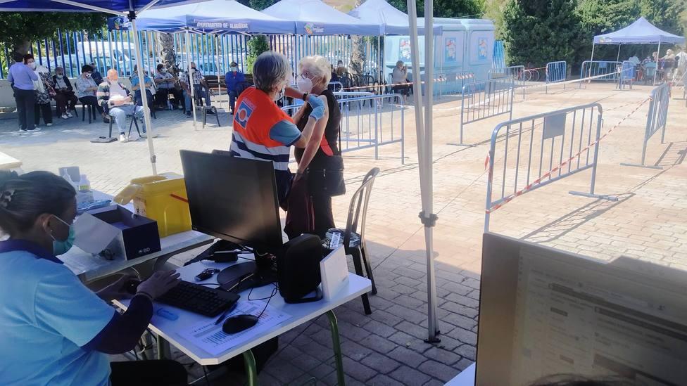 Llamamiento para vacunación sin cita el viernes 17 en el Estadio de Deportes Francisco Bonet de Almuñécar