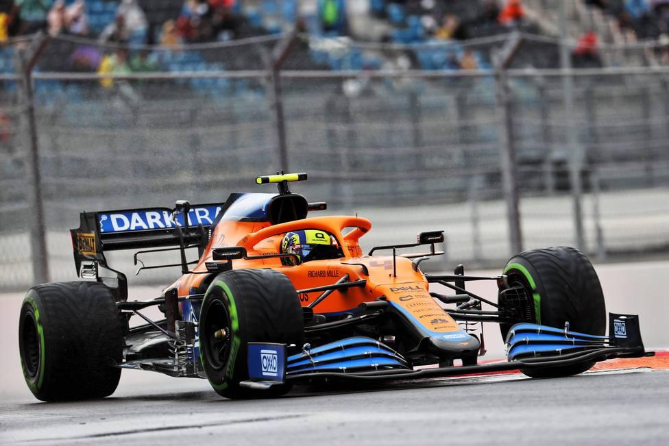 Norris arrebata la pole a Sainz en Sochi