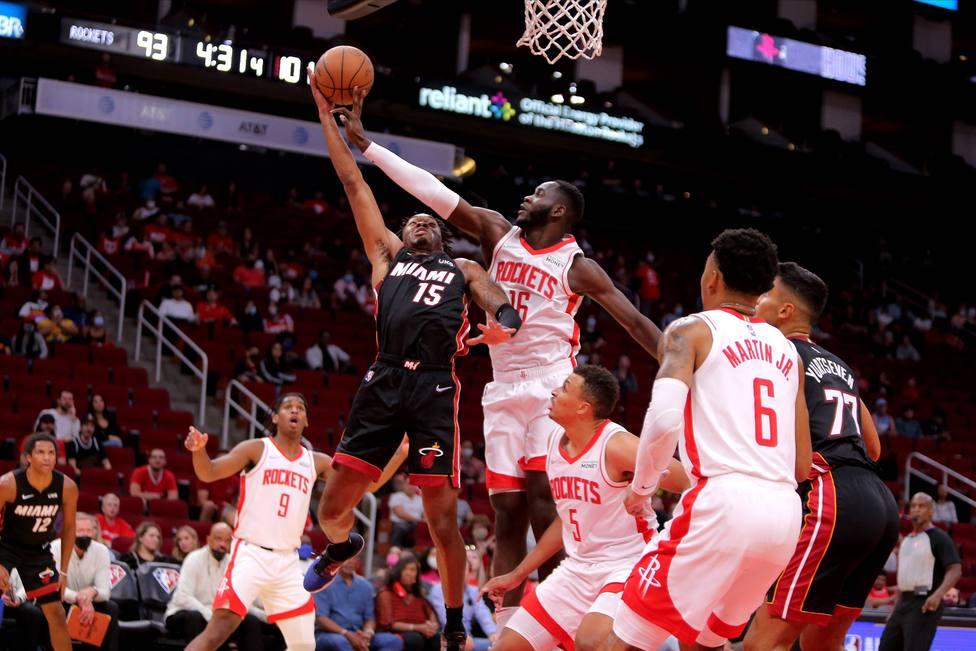 Usman Garuba brilla en defensa, pero no evita la derrota de los Rockets