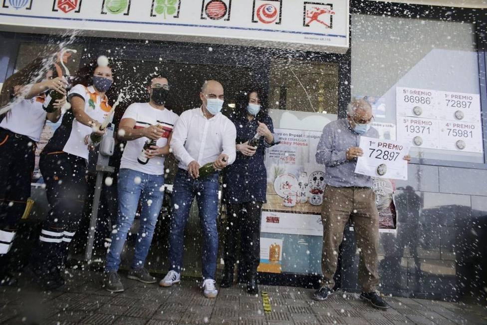 La Chasnera, la gasolinera de Tenerife que reparte suerte a toda España: Nos compran mucho desde Andalucía