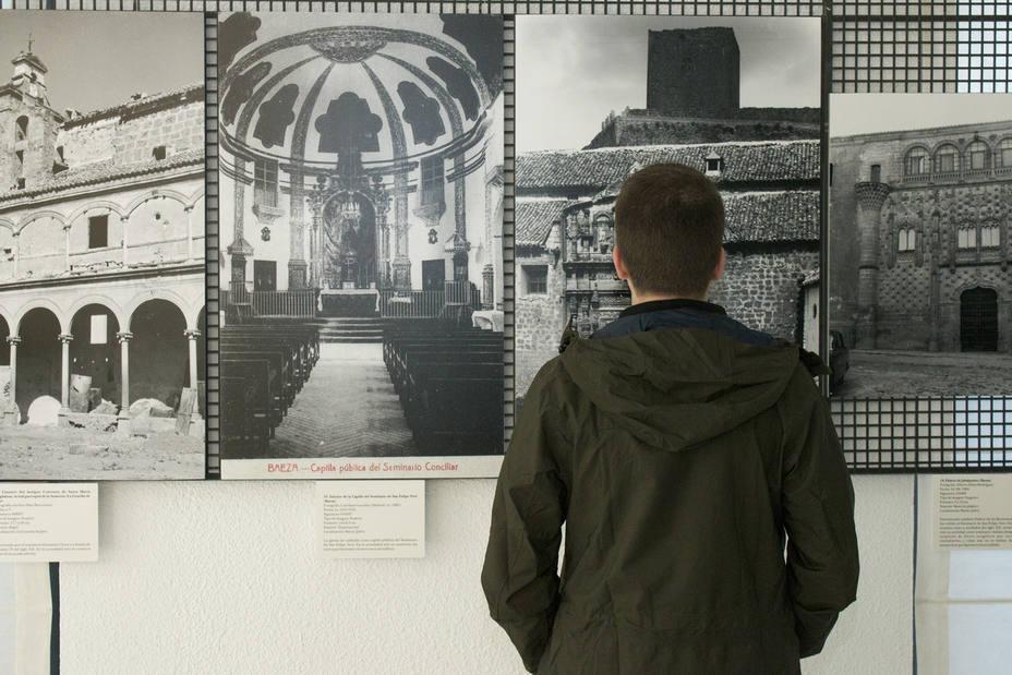 Exposición de la UJA en el Colegio de Arquitectos de Jaén