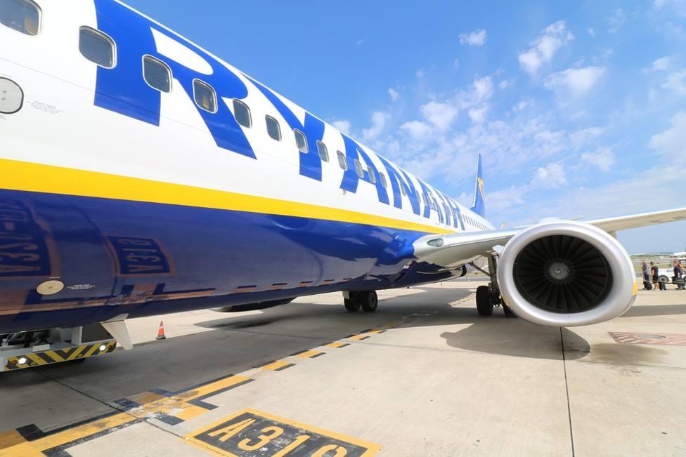 Un avión tiene que regresar al aeropuerto por la conducta de un pasajero
