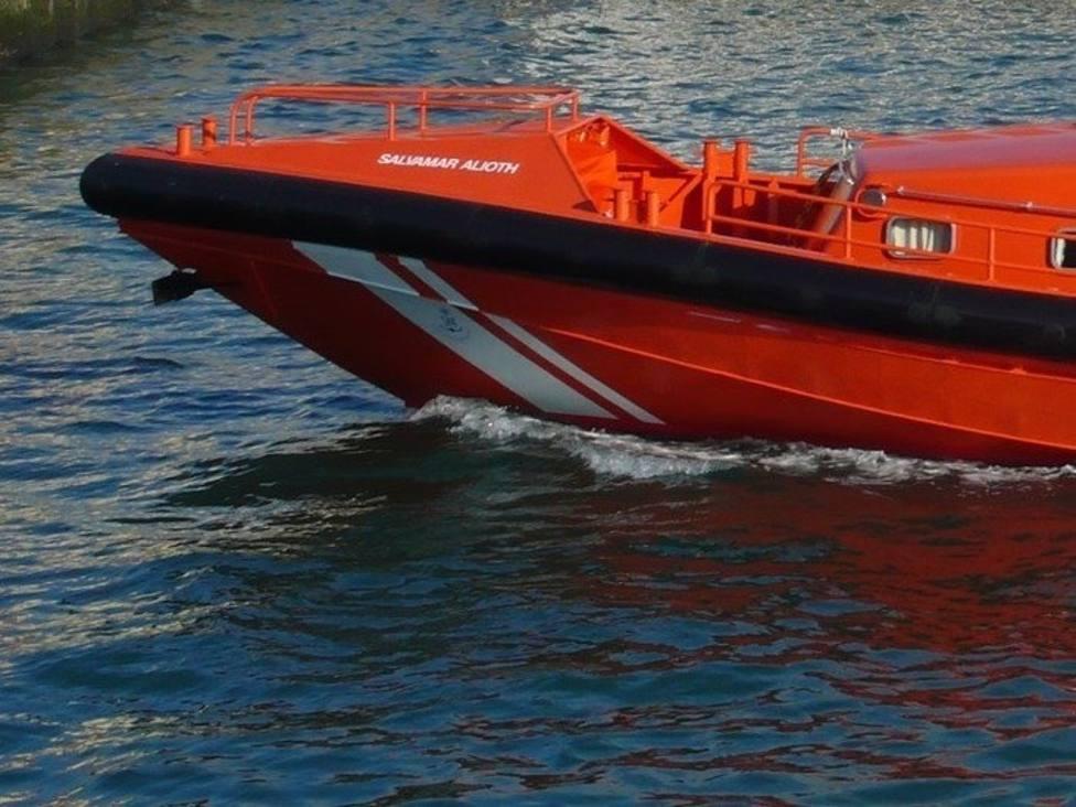 Salvamento Marítimo trasladada a Melilla a tres inmigrantes de Siria hallados en las Islas Chafarinas