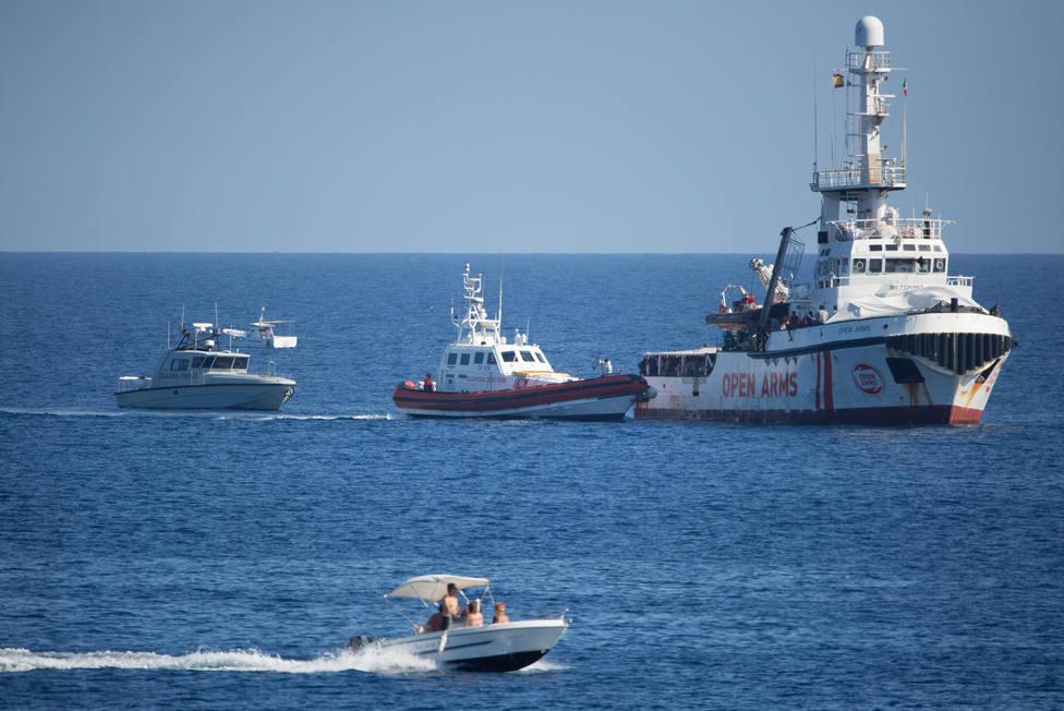 Más de cien migrantes llegan a Lampedusa a bordo de tres pateras en menos de 48 horas
