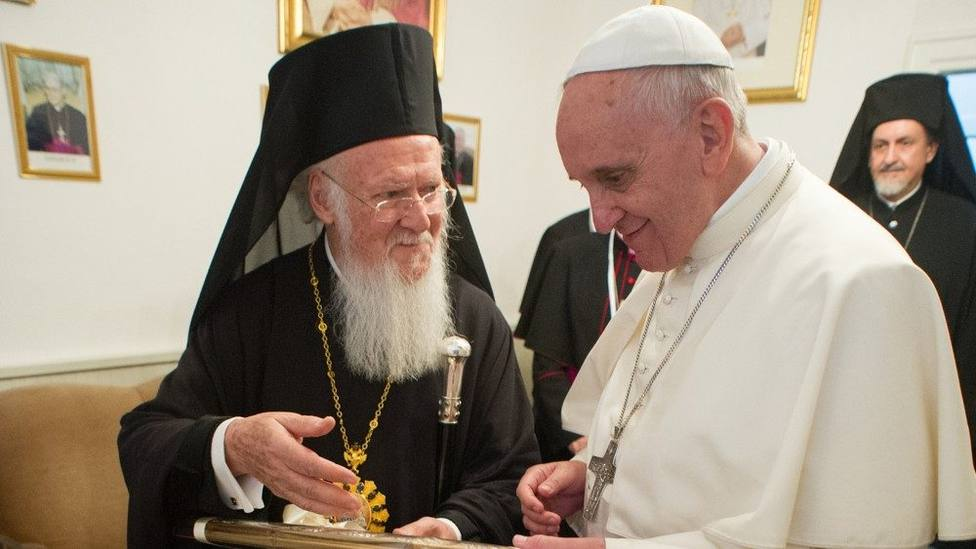 El inesperado obsequio que ha enviado el Papa al Patriarca Ortodoxo