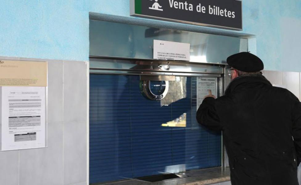 Adif vuelve a abrir los puntos de venta de billetes en las estaciones de Guardo, Osorno y Aguilar