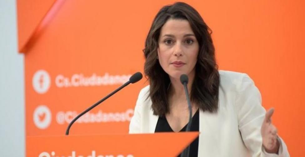 Cs intenta contactar con Feijóo para negociar una coalición de cara a las gallegas