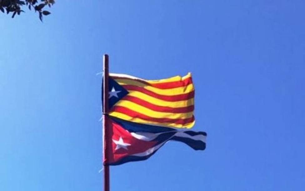 La bandera estelada, que toma su diseño de la cubana