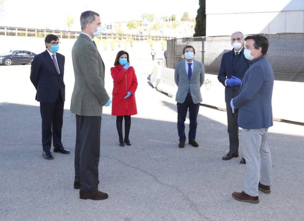 Felipe VI ha visitado el hospital de campaña en el IFEMA