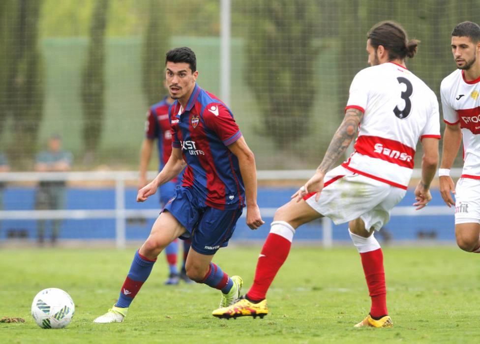 Arturo Molina, con el filial del Levante