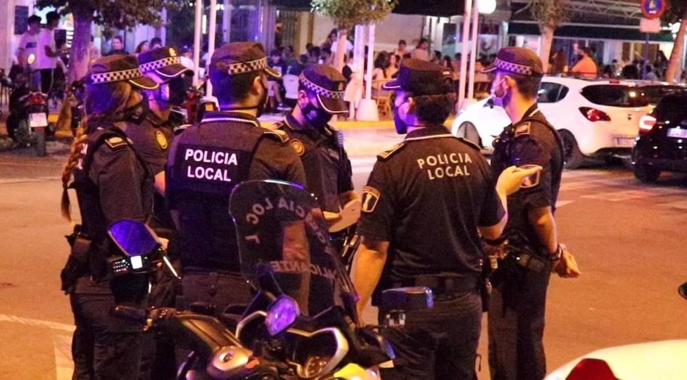 Alicante.- Sucesos.- La Policía Local impone 418 denuncias por no llevar mascarillas durante el fin de semana