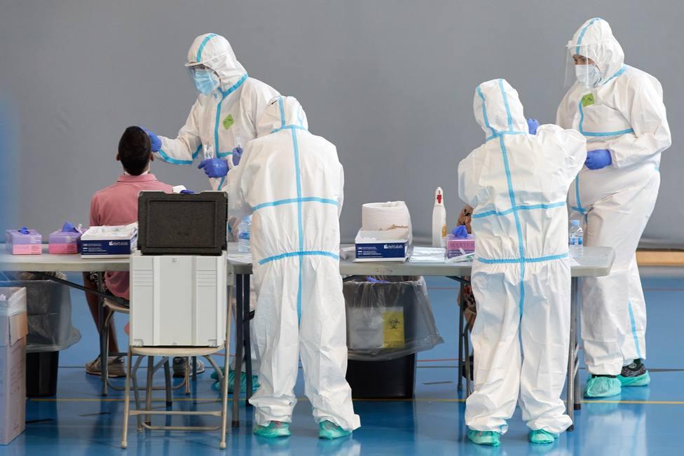 El coronavirus deja 1.328 nuevos positivos y 14 fallecidos en Cataluña