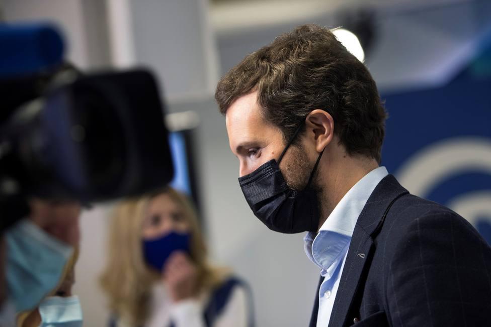 Casado acusa a Sánchez de cruzar la línea de indignidad moral pactando con Bildu