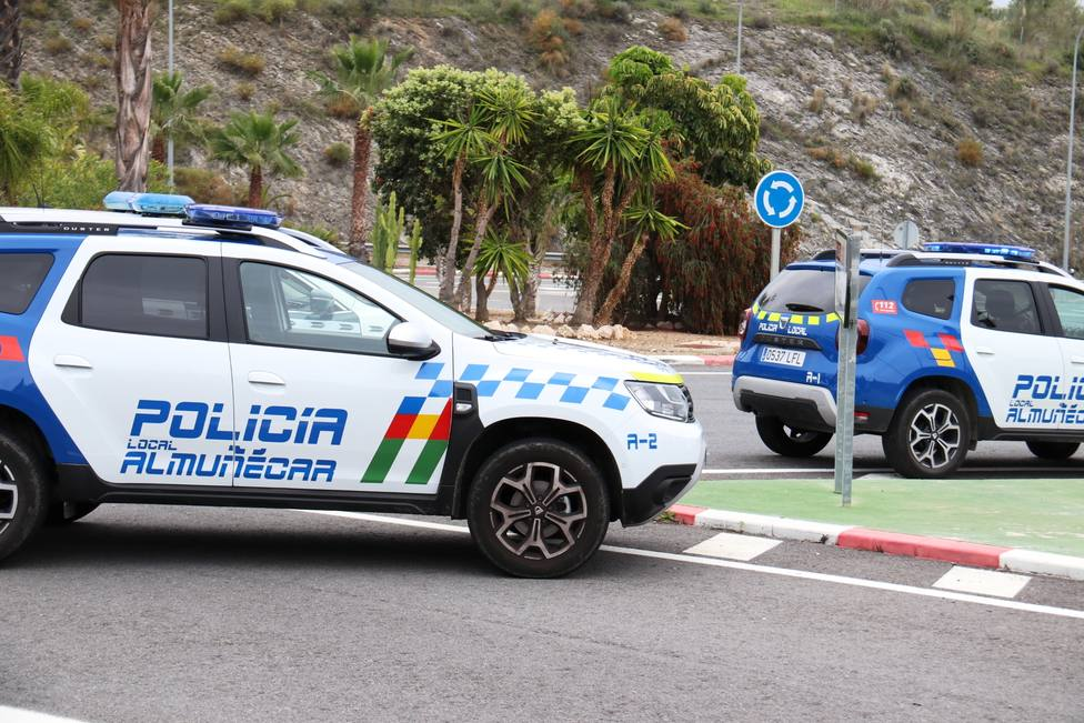 Policía Local en control de acceso a Almuñécar