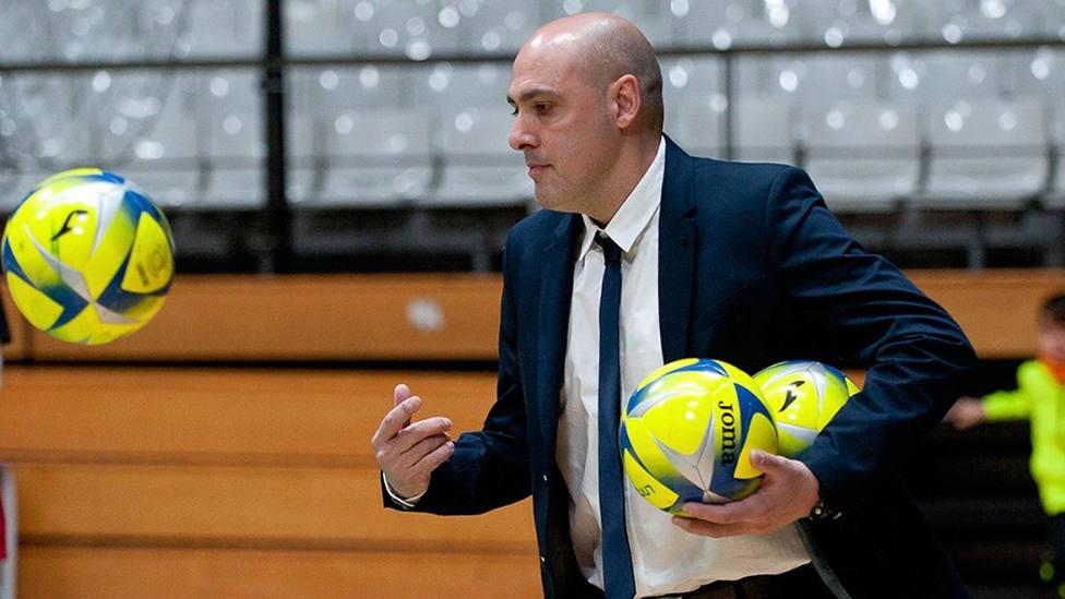 Javi Rodríguez, entrenador de Industrias Santa Coloma (FOTO: LNFS)