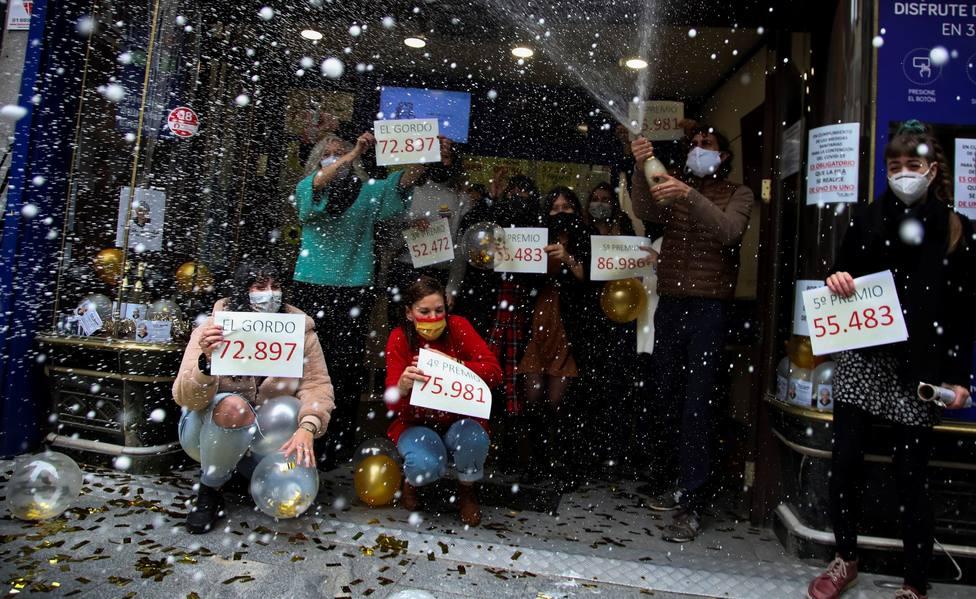 El 72.897, el Gordo de Navidad, vendido en Doña Manolita