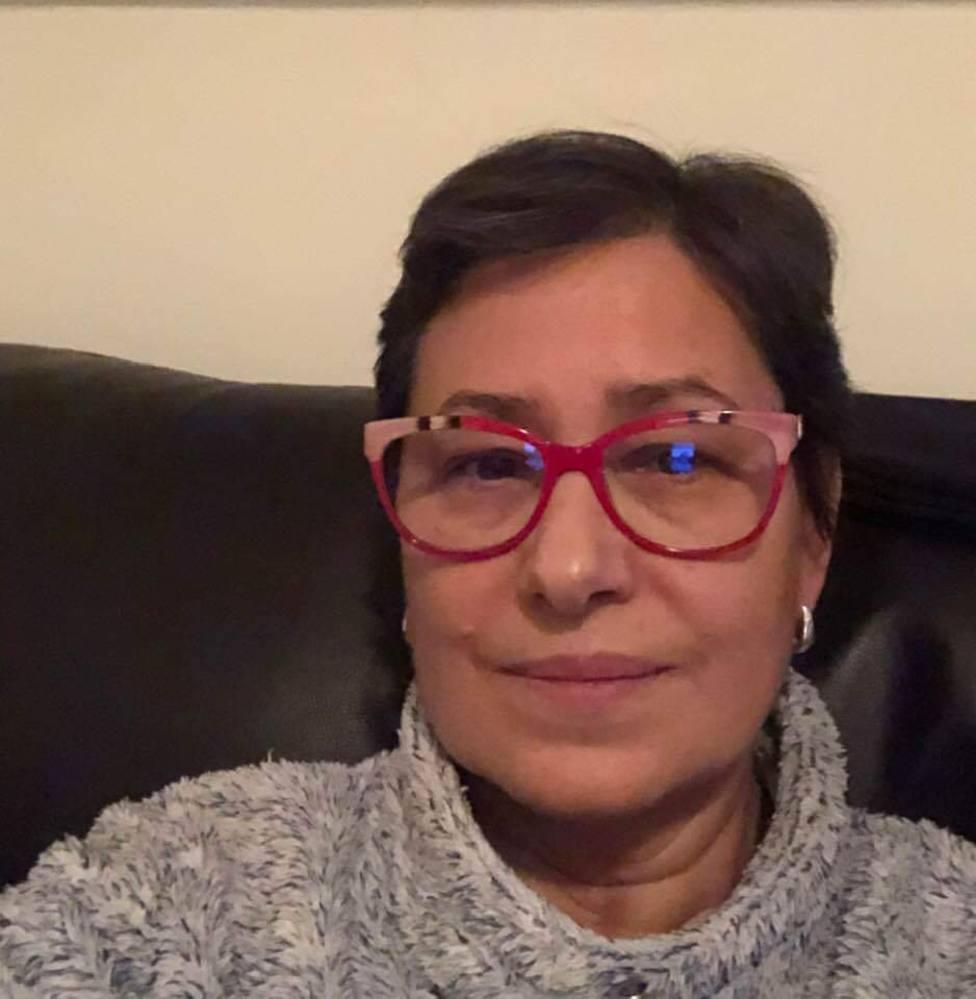Elvira Lama. en su domicilio