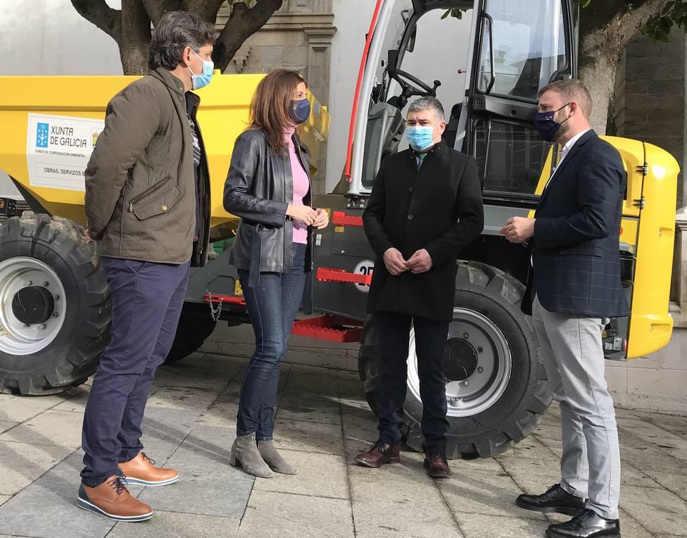 Natalia Prieto, Juan Penabad Muras y Gonzalo Trenor en Ortigueira. FOTO: Xunta de Galicia