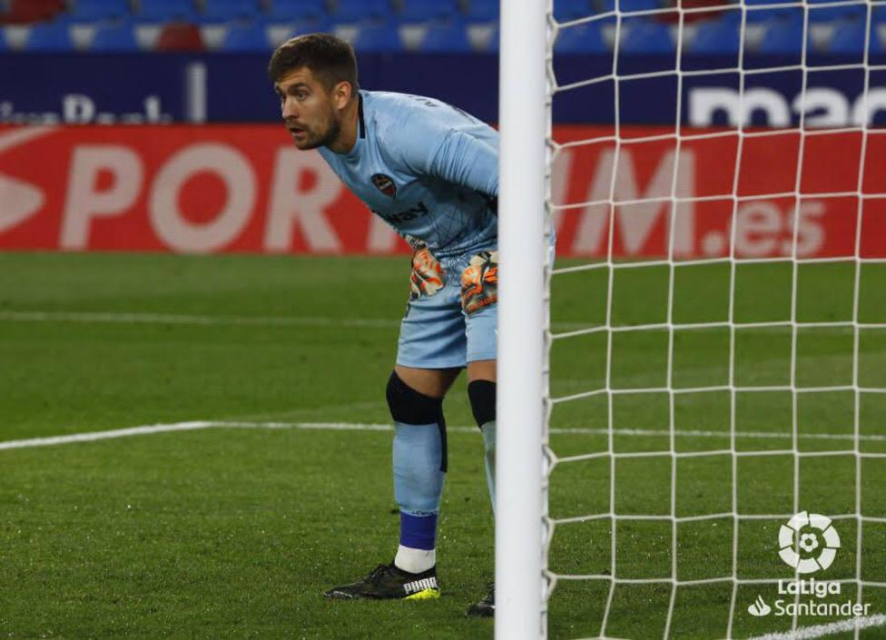 Aitor, en el partido ante el Atlético de Madrid en València