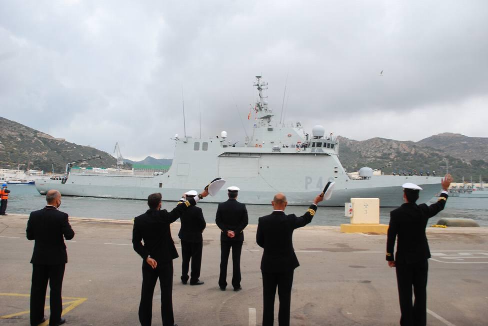 El buque Furor parte de Cartagena para desplegarse en la costa occidental de África y el golfo de Guinea