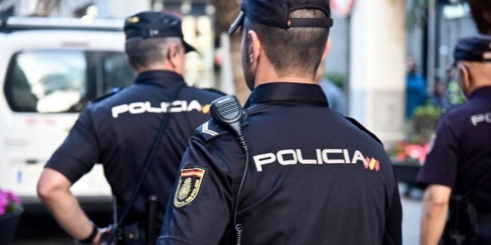 Cuatro agentes de Lugo escoltaron a los tres delincuentes deportados a sus países