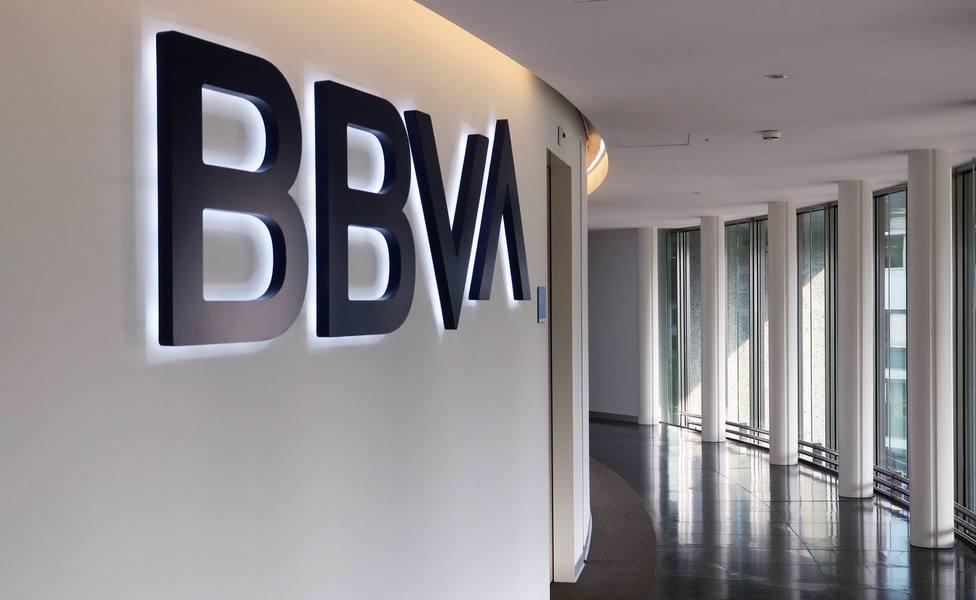 AMP.- BBVA plantea el despido de 3.798 empleados y el cierre de 530 oficinas