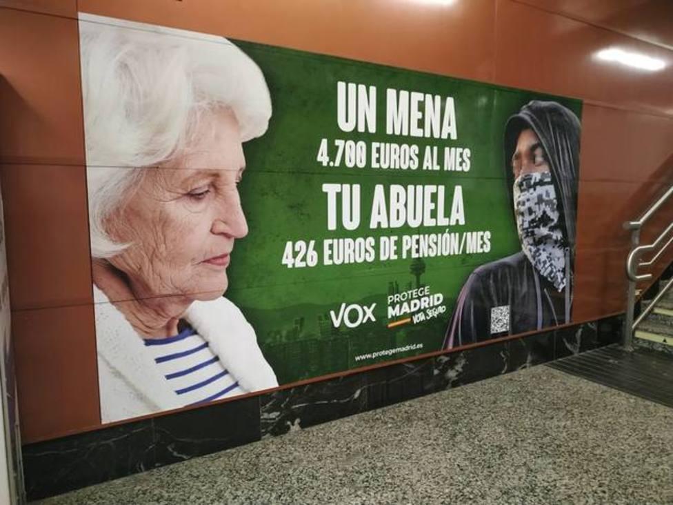 La Fiscalía ordena retirar el cartel de VOX sobre menores extranjeros no acompañados