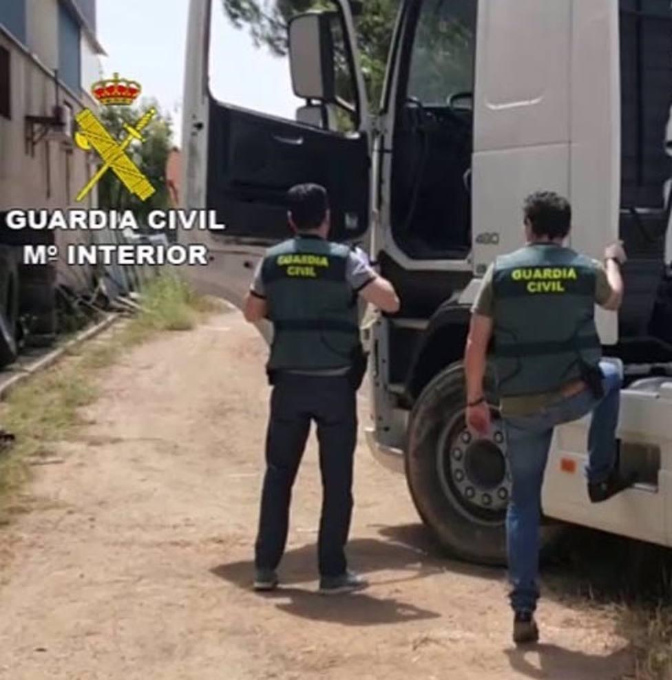 Sucesos.- Detenido un empresario acusado de estafar a empresas de Huesca y Tarragona de nueces y anacardos