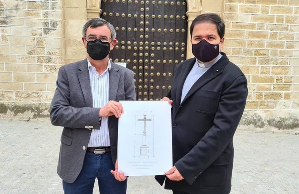 Las cofradías de Aguilar de la Frontera presentan un proyecto para recuperar la Cruz de las Descalzas