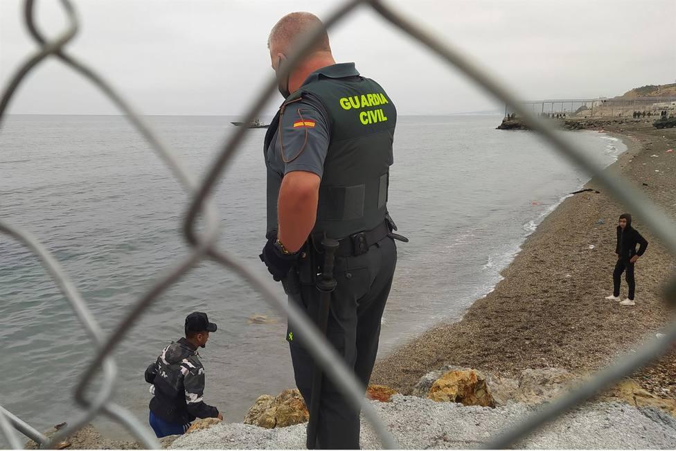 La llegada de efectivos policiales desborda la capacidad hotelera de Ceuta