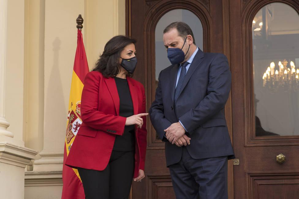 �balos visita La Rioja para tratar la infraestructura de la región