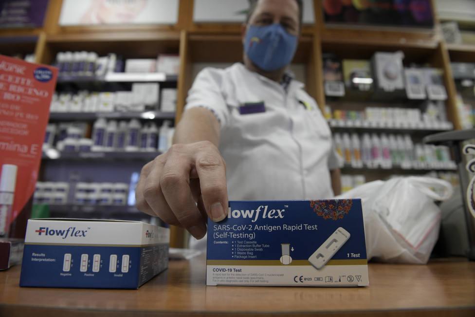 ¿Cuánto cuestan? ¿Cómo funcionan?: todo lo que necesitas saber de los test a la venta en farmacias