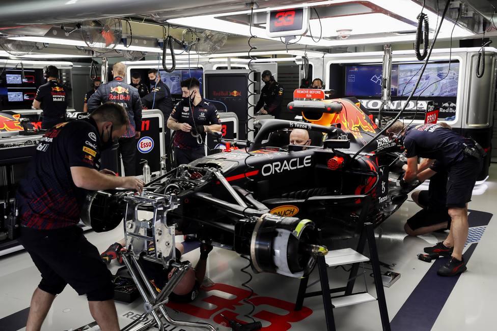 Verstappen cambia la unidad de potencia y saldrá al final de la parrilla