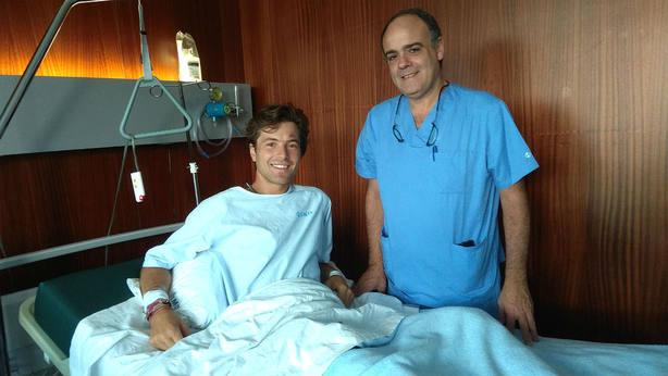 Juan Leal junto al doctor Miguel María Corsotegui