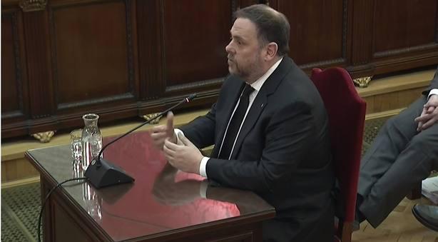 Junqueras dice que es un juicio político y se niega a contestar al fiscal y al resto de las acusaciones