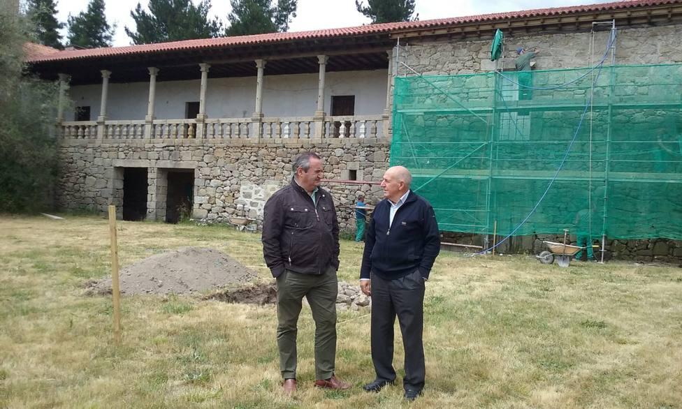 La Xunta inicia las obras para hacer una hospedería en el monasteriodeFerreiradePantón