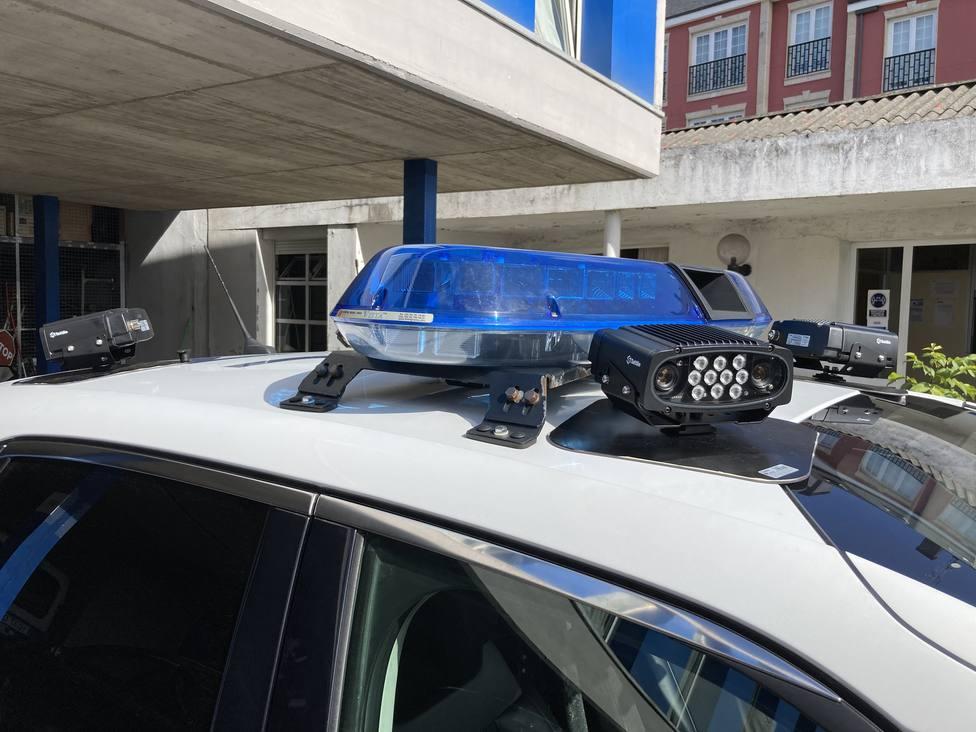 El nuevo sistema va instalado sobre el techo del vehículo policial - FOTO: Concello de Ferrol