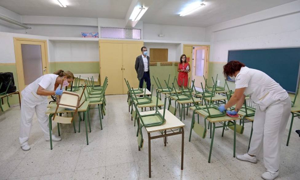El Ayuntamiento despliega un dispositivo especial de desinfección en los centros educativos