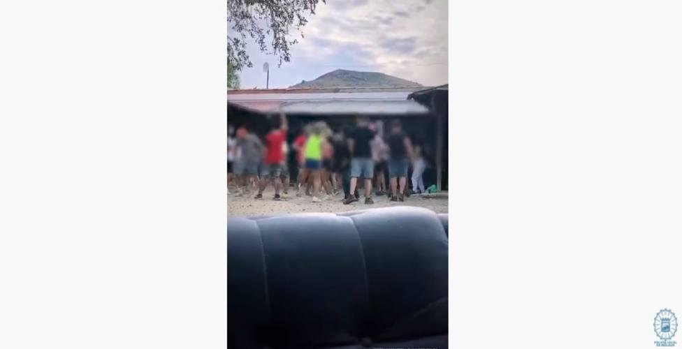 Las lamentables imágenes de una fiesta electrónica celebrada en Álora