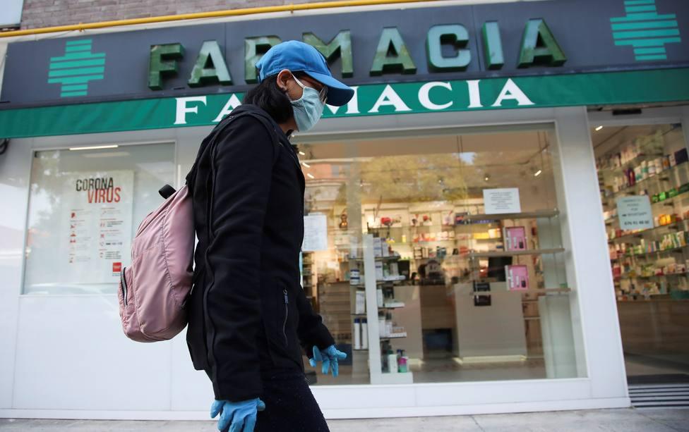 El Gobierno baja a 0,72 euros el precio máximo de las mascarillas quirúrgicas