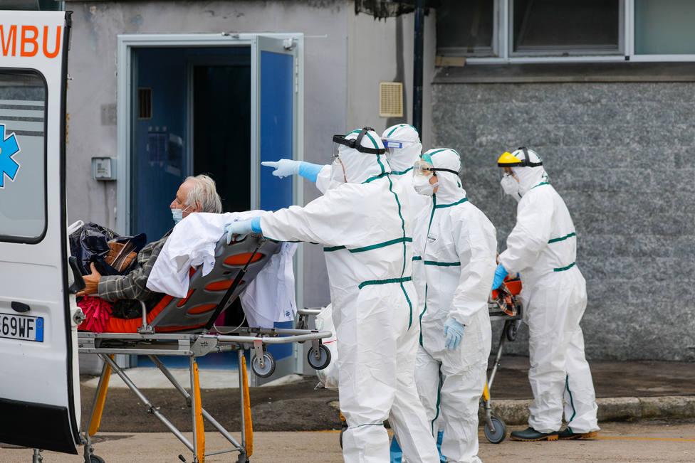 Italia notifica casi 41.000 casos de coronavirus pero los contagios se ralentizan