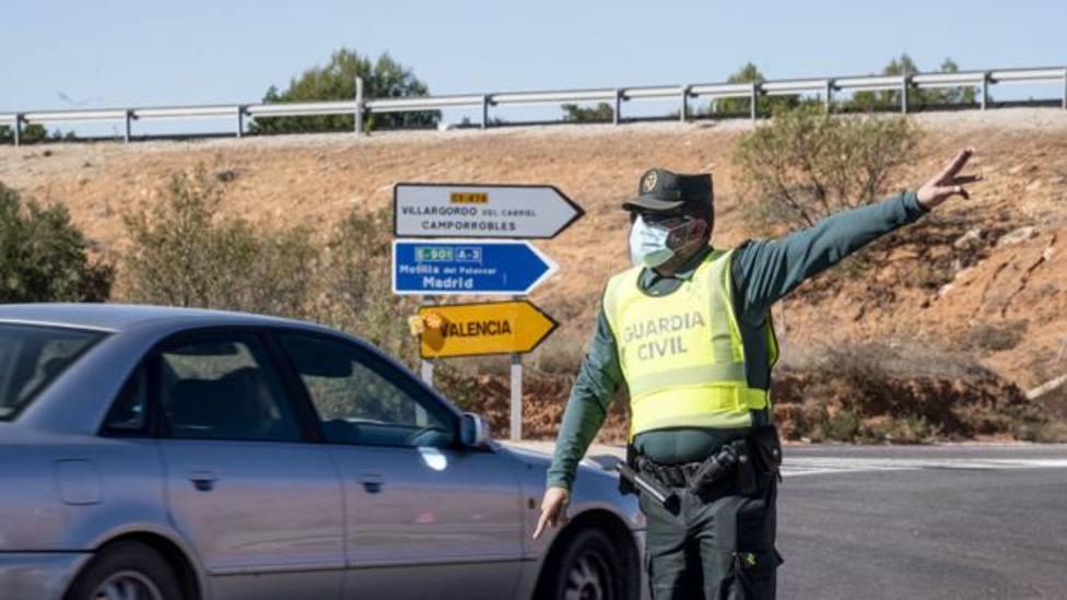La Guardia Civil controlando el cierre perimetral