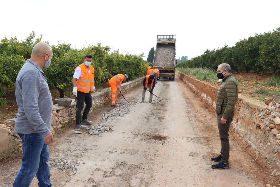 Onda adecúa los caminos rurales para mejorar la seguridad vial y el tránsito de vehículos