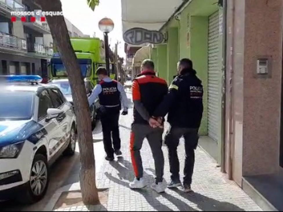 Sucesos.- Dos detenidos por realquilar a turistas pisos de Barcelona con documentación falsa