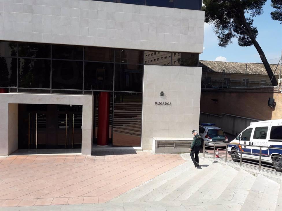 Granada.- Tribunales.- Acusados de estafar a la Seguridad Social reconocen los hechos y aceptan hasta dos años de cárcel