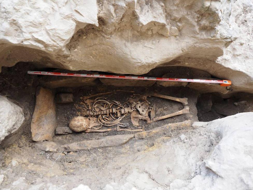 Intervención arqueológica en tumba hispano-visigoda en San Bernabé (Ojo Guareña)