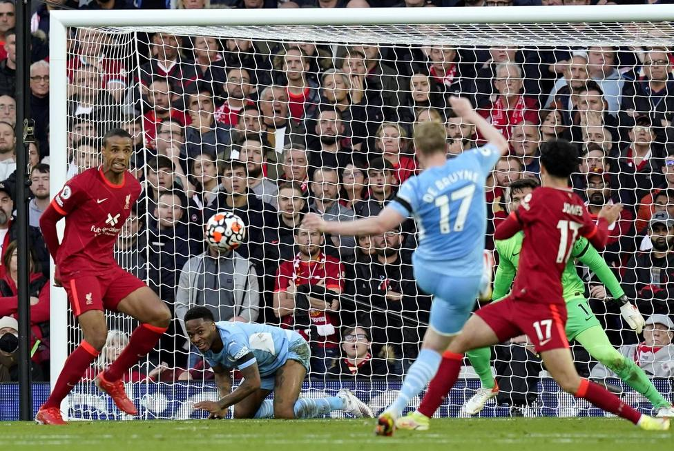 Empate a dos entre Liverpool y Manchester City (EFE)